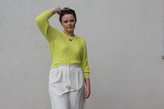 How to wear Topshop Culottes neon jumper casual summer look-006
