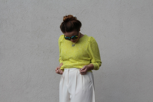 How to wear Topshop Culottes neon jumper casual summer look-007