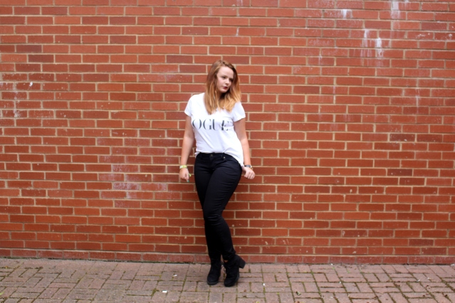 How to wear highwasited black skinnies jeans for genes-007