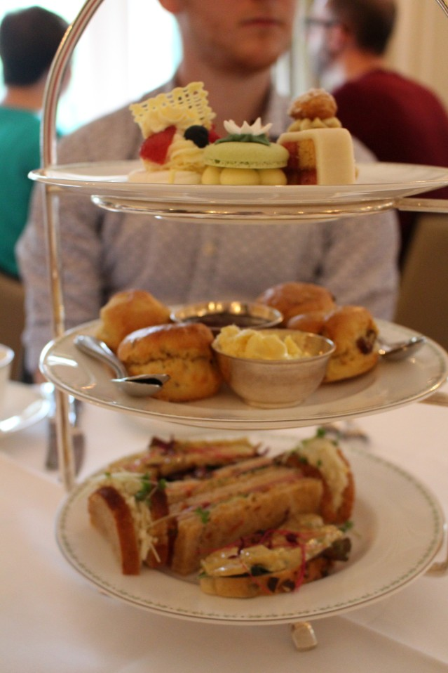 lady-bettys-afternoon-tea-harrogate-champagne-008