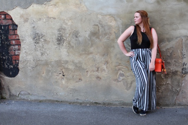 curvy-travel-ootd-style-for-flying