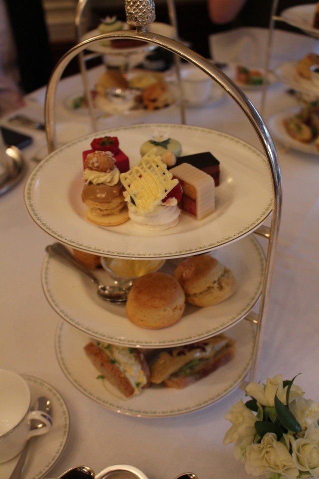 magical-christmas-bettys-harrogate-afternoon-tea-003
