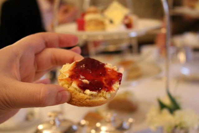magical-christmas-bettys-harrogate-afternoon-tea-005