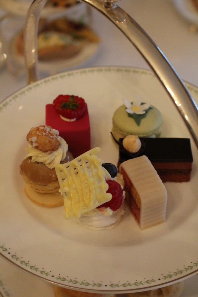 magical-christmas-bettys-harrogate-afternoon-tea-006