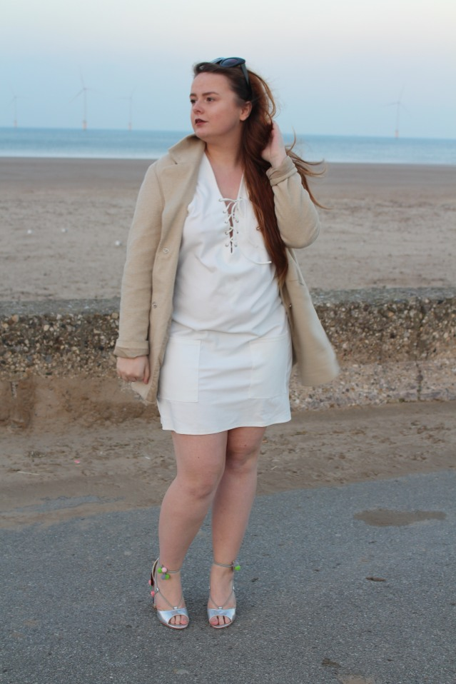 blogmas-ootd-seaside-sparkle-004