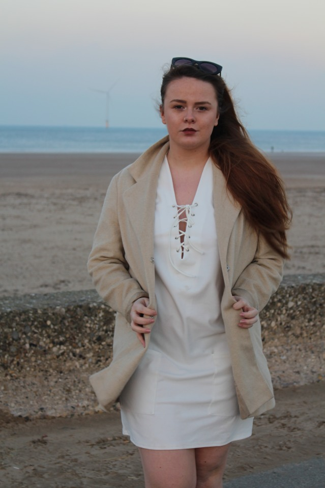 blogmas-ootd-seaside-sparkle-005