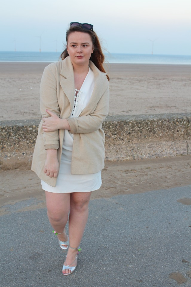 blogmas-ootd-seaside-sparkle-008