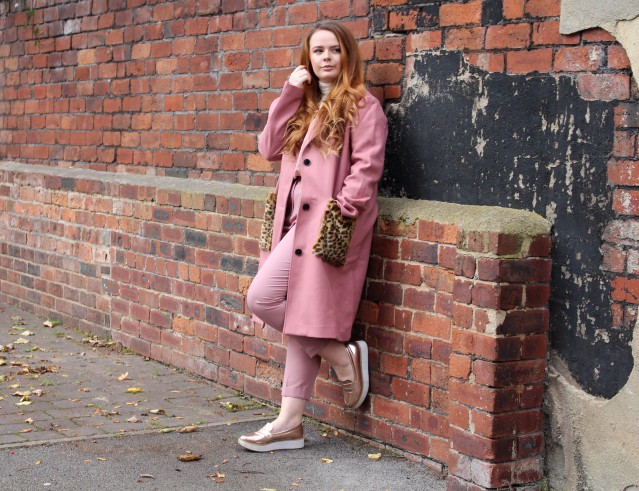 blogmas_ootd_all_pink_outfit-010