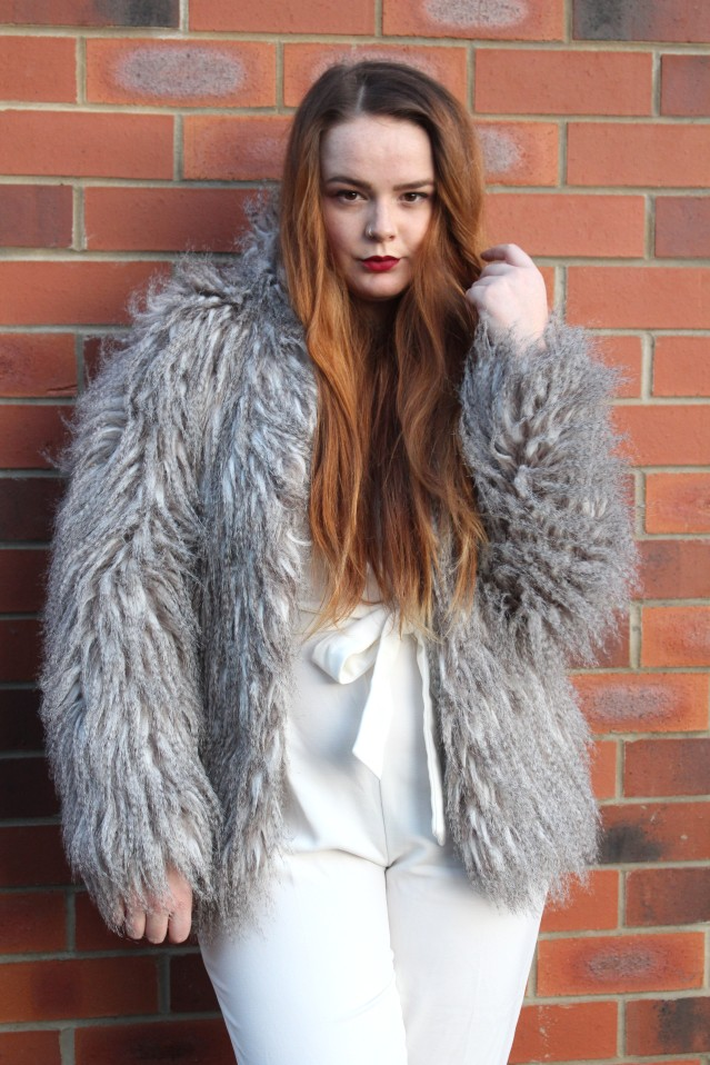 blogmas_winter_glam_ootd-003