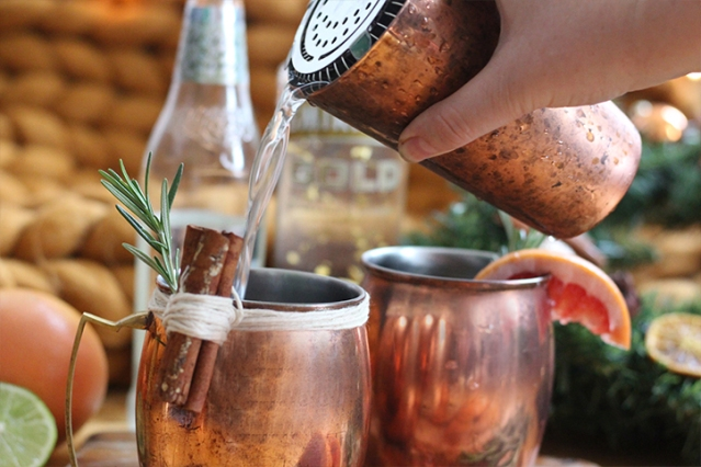 festivecheats-winter-cocktail-moscow-mule-recipe3